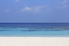 Colors (Simone Lovati) Tags: sea beach colors maldives maldivesresort lillybeach