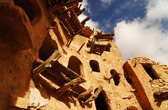 LBY-Kabaw-0801-13-v1 (anthonyasael) Tags: africa building castle window architecture store hole mud northafrica grain structure storage libya mudbrick qasr  lby kabaw jebelnafusa libi qsar libyanarabjamahiriya ghorfa  kabow  anthonyasael   cabao    lbija