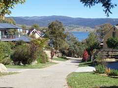 SE NSW 075 (ally portugal) Tags: snowymountains southnsw heidisteahouse lakejidabyne