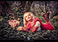 Chaperon rouge (HWpcues) Tags: illustration photoshop canon rouge femme montage blonde histoire loup hdr fable bois hdri chaperonrouge photomatix petitchaperonrouge niksoft