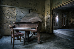 echo from the past (CmdrCord) Tags: urban abandoned hospital dark chair piano grand creepy ddr sanatorium exploration gdr stuhl dunkel verlassen urbex flgel