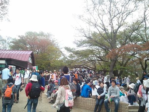 高尾山山頂です!人ハンパねー!!