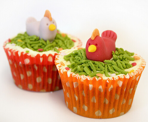 5674807573 c0bf467c76 Farm Animals for your Barnyard Cupcakes