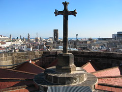 Catedral roof (#5891) (Kordian) Tags: barcelona europe lasramblas westerneurope mp4 barrigotic 200411 canondigitalixus400 tripsvacations