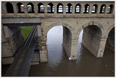 Eads Bridge, Wet Feet
