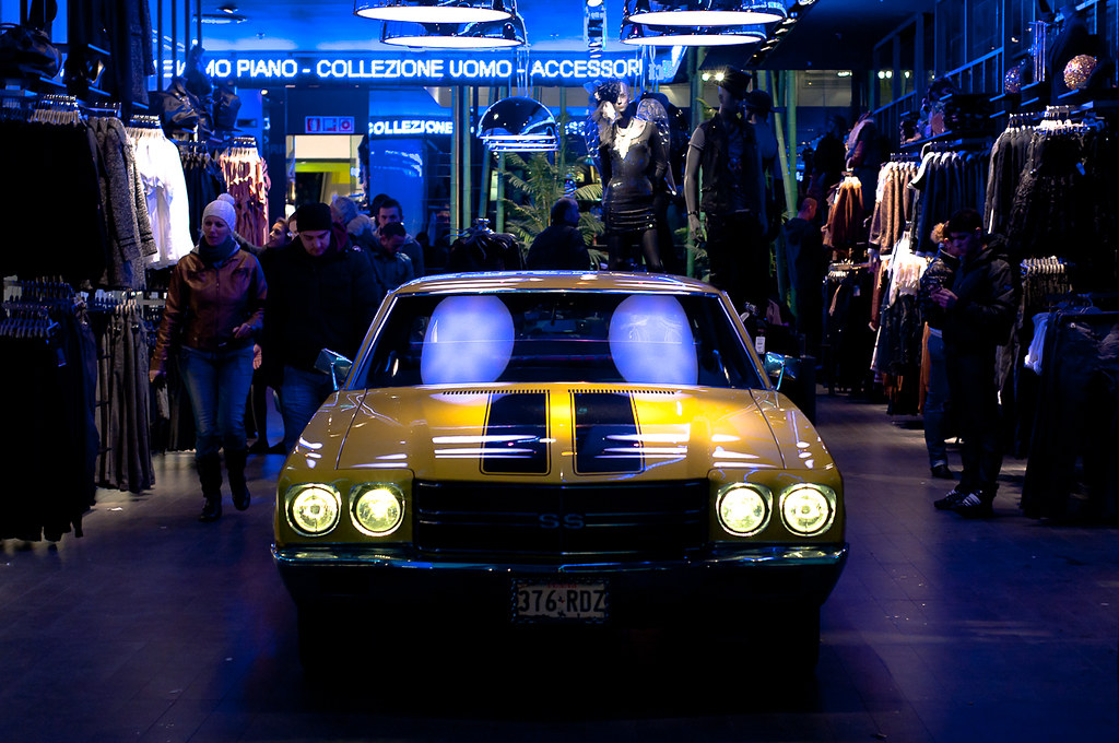 The world 39 s best photos of chevrolet and milano flickr for Bershka milano duomo