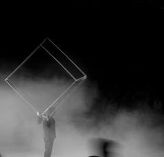 In/cubo (estella7272) Tags: bw circo bn cubo fumo giocoliere