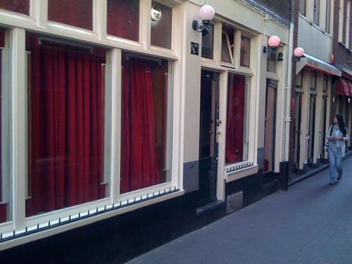 <span>amsterdam</span>Sipario<br><br>Aspettando la bigliettaia<p class='tag'>tag:<br/>amsterdam | viaggio | hot | </p>