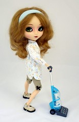 Housework (Astrihol) Tags: flora doll handmade pullip newlook blanche chipped obitsu rewigged newchips pullipblanche may2011 newwigluts
