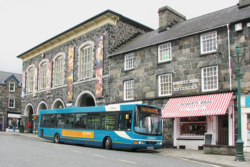 Bus in Eldon square by Helen in Wales