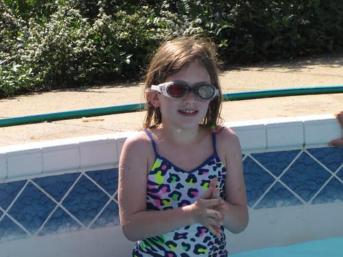 GirlsSwimmingNextDoor-Jun2011 026