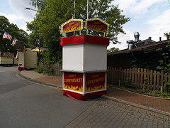 Currywurst Scharfe (Crausby) Tags: germany closed market stall nobody hasselblad nrw kiosk shut imbiss currywurst h3d scharfe