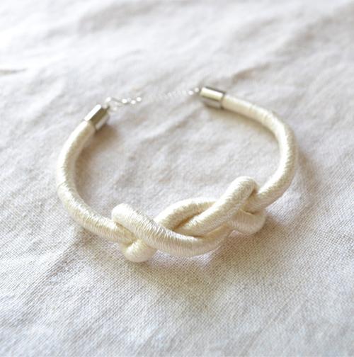 E-White-Knot