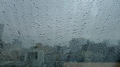 비오는 금요일, 사무실에서^^