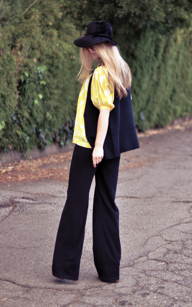 black and  yellow 60s 70s  look wide leg pants