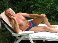 Bernard  375 (bernard-paris) Tags: bernard superman chaise repos longue
