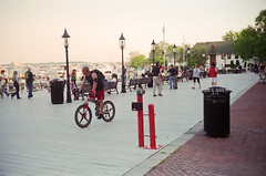 Mt_Vernon_Trl_QL17_Reala_21.jpg (greauxe) Tags: film bicycle 35mm cycling washingtondc fitness mountvernontrail canonetgiiiql17 epsonv700
