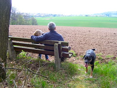 Wonderful Planet Earth (marion streich) Tags: dog nature bench child natur bank grandpa kind hund freude happyness harmonie gemeinsamkeit glcklichsein grosvater
