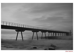 Pont del Petroli (Oskar Valcarce) Tags: barcelona bridge sea white black blancoynegro blanco beach water mar agua negro playa pont catalua rocas badalona petroli pontdelpetroli 20tfblancoynegro mygearandme dblringexcellence oskarvalcarce
