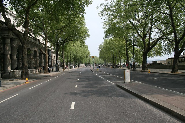 Empty streets - Embankment