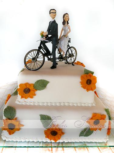 Noivinhos na Bicicleta / bike cake toppers by Bolos Supimpa