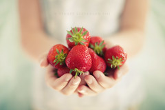 The gift of summer... (Stuart Stevenson) Tags: red blur photography scotland succulent juicy hands thankyou bokeh naturallight gift littlegirl shallowdepthoffield canon50mmf14 summerfruits clydevalley strawbs pastelcolour freshstrawberries differentialfocus thanksforviewing canon5dmkii stuartstevenson stuartstevenson summeralreadywowtheyearisflyingby
