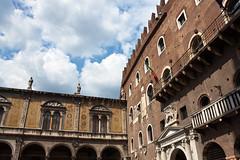 Piazza dei Signori - Verona (Tom Peddle) Tags: italy verona piazza 2009 dei signori