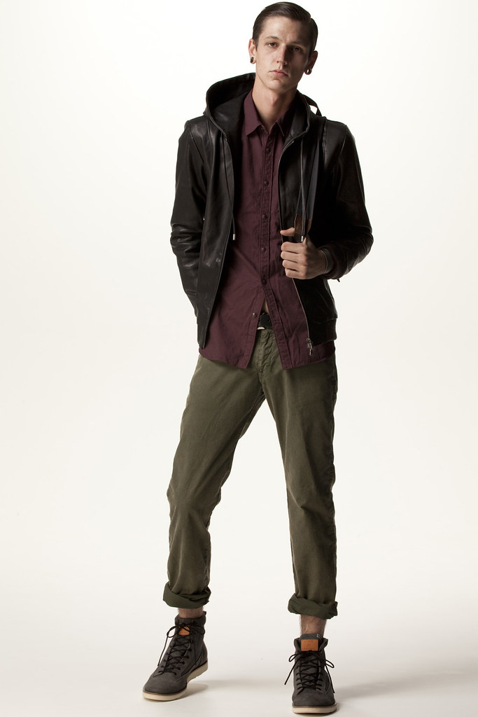 FACTOTUM HOMME 2011 SS 011_Tommy Cox
