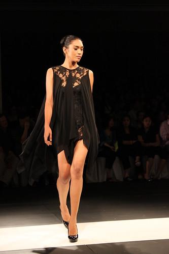 Veejay Floresca, Design Fusion - PFW Holiday 2011