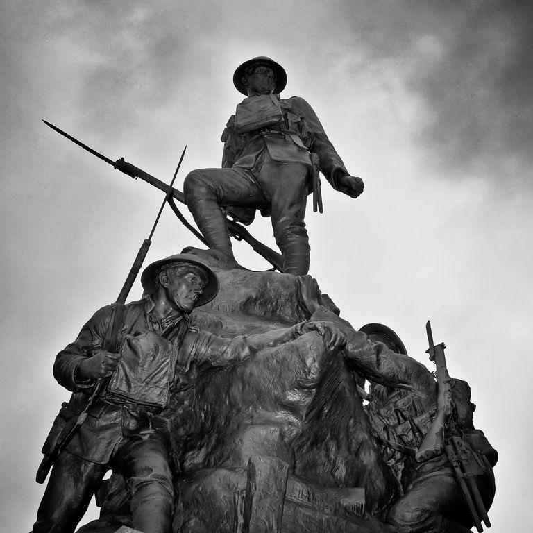 Oldham War memorial by Albert Toft