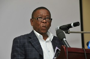 Blade Nzimande, minister of higher education speaking at the Cosatu Education and Skills conference at the Parktonian Hotel in Braamfontein. Pic: VATHISWA RUSELO. 02/07/2009. Sowetan. by Pan-African News Wire File Photos