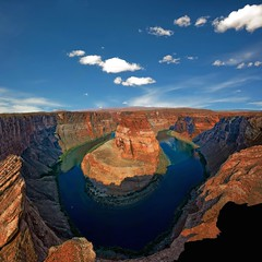 Plays of Colorado River (Tati@) Tags: travel arizona panorama nature landscape nikon hike page coloradoriver rocce viaggio tati abyss vertigine horseshoebend avventura abisso d700 annatatti mygearandme mygearandmepremium mygearandmebronze mygearandmesilver mygearandmegold mygearandmeplatinum mygearandmediamond nikonswitzerland