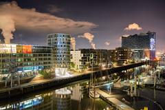 Sandtorhafen - at starry night (michaelbeyer_hh) Tags: elbphilharmonie sandtorhafen hamburg hafencity rx1 uxtt58