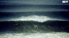 Big. (ekaintc) Tags: ocean sea water mar big agua nikon surf wind offshore sigma wave viento surfing apo pico february 70300mm xxl febrero ola dg oceano lineup ura terral itsaso 2011 ekt olatu otsaila ozeano d40x