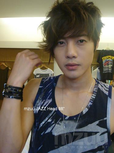 Kim Hyun Joong MUZZ Accessories Photos