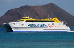 Bocanya Express (Gerry Hill) Tags: ferry islands waves fuerteventura lanzarote playa canarias blanca catamaran fred express canary canaries olsen corralejo bocayna