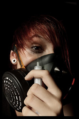 @Inject. (Dannisonfire) Tags: needle gasmask injection aguja mascaradegas canoneos450d dannisonfire