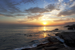 Cape Sunrise - Fish hoek Beach (Gareth Weeks | www.garethweeks.com) Tags: longexposure morning sun holiday beach beautiful sunrise southafrica coast rocks waves capetown tourist coastal catwalk fishhoek