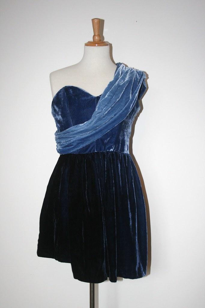 blue velvet dress 012