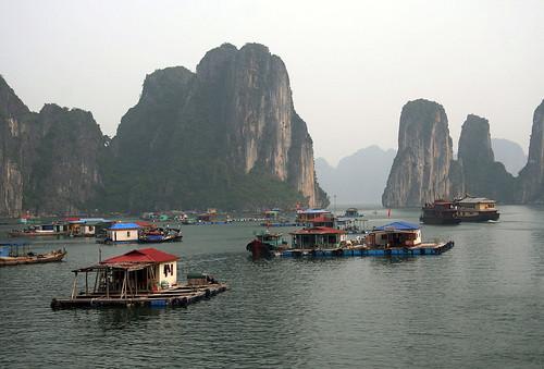 Dotyky severního Vietnamu: Hanoj a zátoka Ha Long