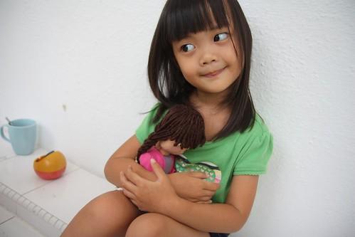 aina loves the maninonet princess :)