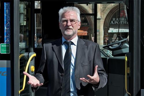 Herbert König: »Auf dem Weg zum rein elektrischen Fahrzeug stellt der Hybridbus eine interessante Übergangslösung dar«