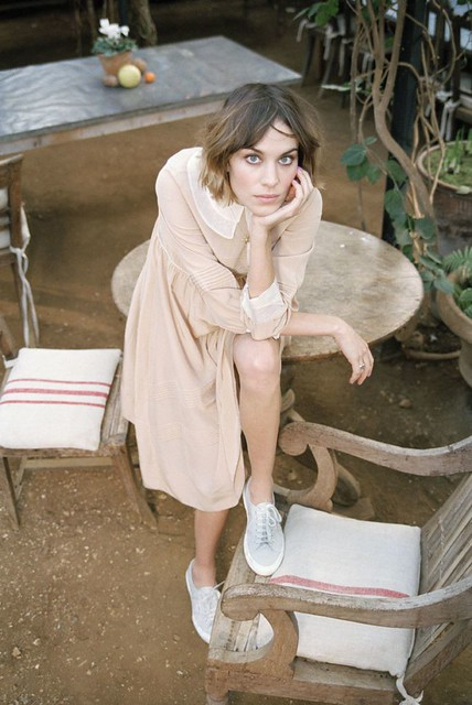 73472_Preppie_Alexa_Chung_shooting_as_the_new_face_of_Superga_2011__4_122_172lo