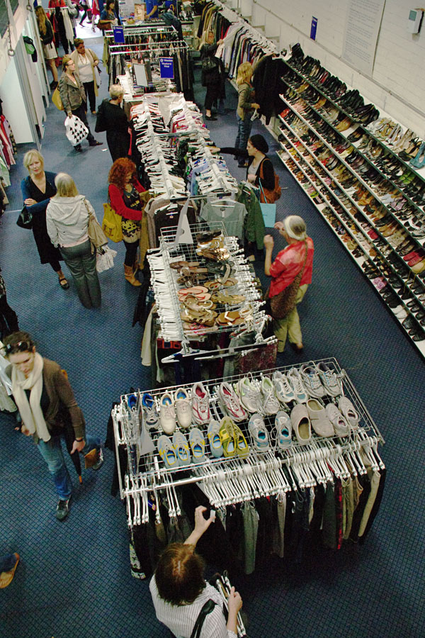 Vinnies Fashion Parade, Store Shot