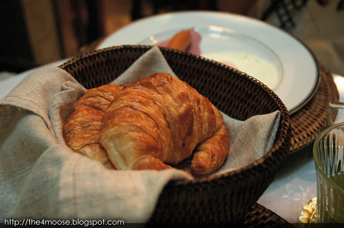 The Bhuthorn - Croissants
