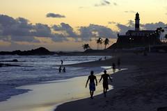 Beach in Barra, Salvador de Bahia (Lorenzo X) Tags: brazil lighthouse brasil faro brasilien bahia salvador ba farol phare brasile brsil salvadordebahia farolita