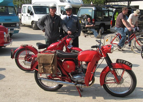 GYY81J 1971 BSA Bantam and JXY880 1950 Bantam at Amberley by kitmasterbloke