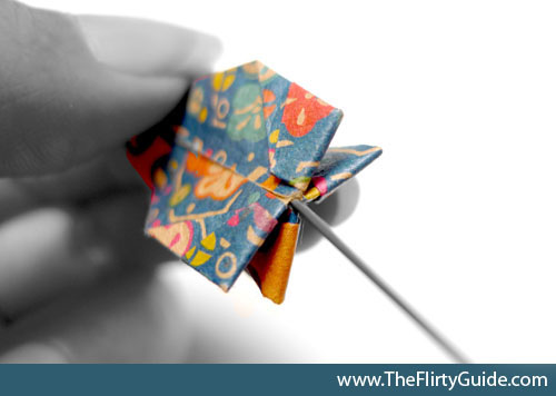 how-to-hang-origami-cranes-needle_in