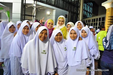 Farah Anuar, Syarifah Nur Bersama Pelajar Sek Men Agama Al-Maidah