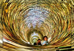 Abismo de libros (Jordi TROGUET (Thanks for 1,923,800+views)) Tags: leica europa searchthebest libro praga jordi llibre jtr mywinners platinumphoto troguet jorditroguet spiritofphotography vlux2 mygearandme mygearandmepremium leicavlux2